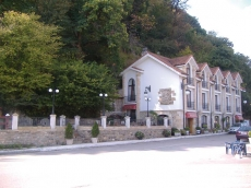 Hotel Borleña