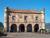 Casa de Ceballos El Caballero en Argomilla de Cayón